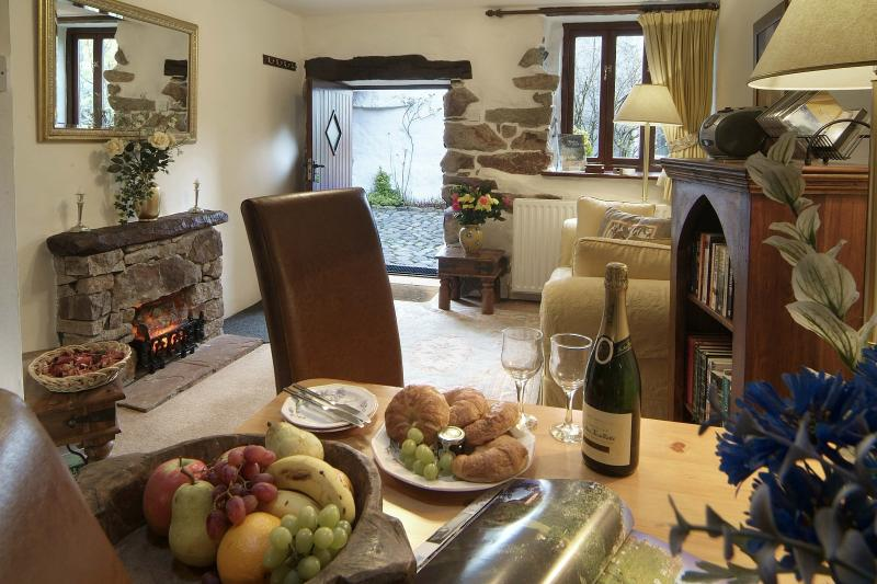 Hardknott Cottage Living and Dining Area