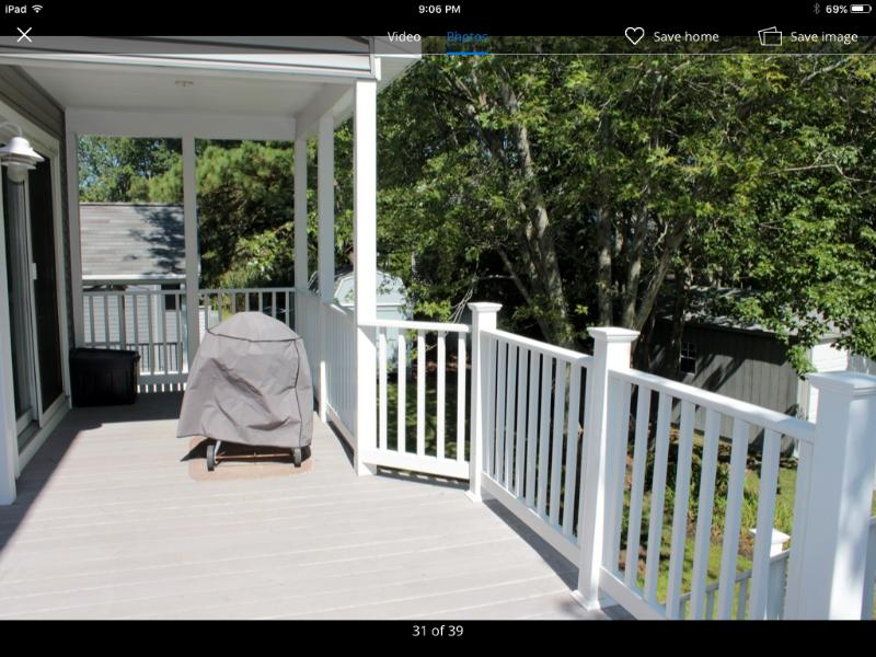 Large Rear deck with BBQ