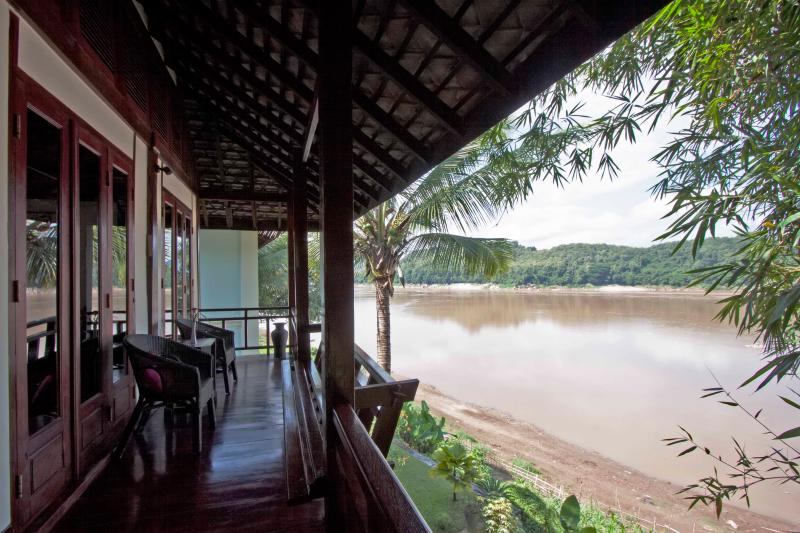 Bambou Suite Twin with view of the Mekong river, casa vacanza a Laos