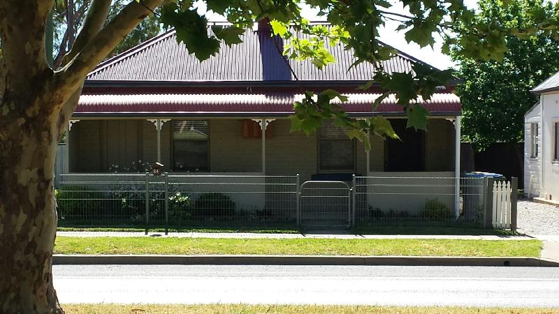 Browncoat Cottage, Mudgee., location de vacances à Windeyer