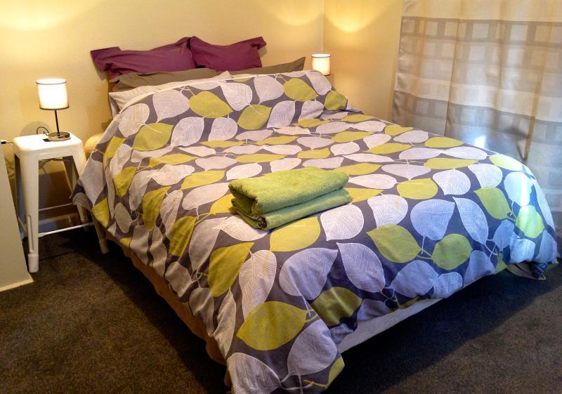 Bedroom 1. Queen Next to Lounge