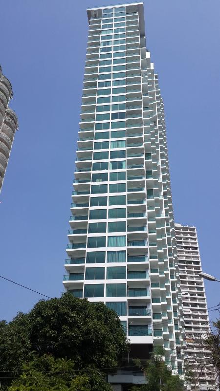 Apartment block Wong Amat Tower