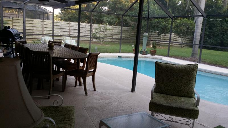 Family Home, Heated Pool. 10 mins to #1 US Beach, holiday rental in Sarasota