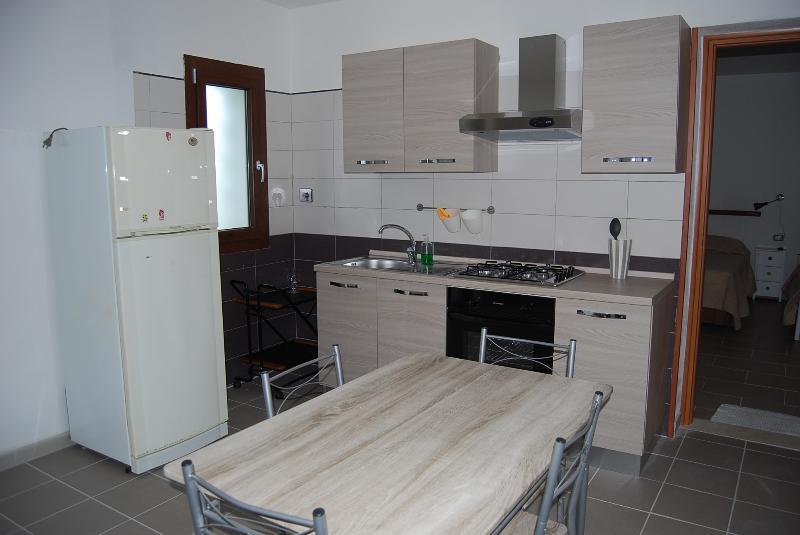 APPARTAMENTO GIRASOLE, holiday rental in Torpè
