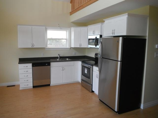 Kitchen appliances & cabinets