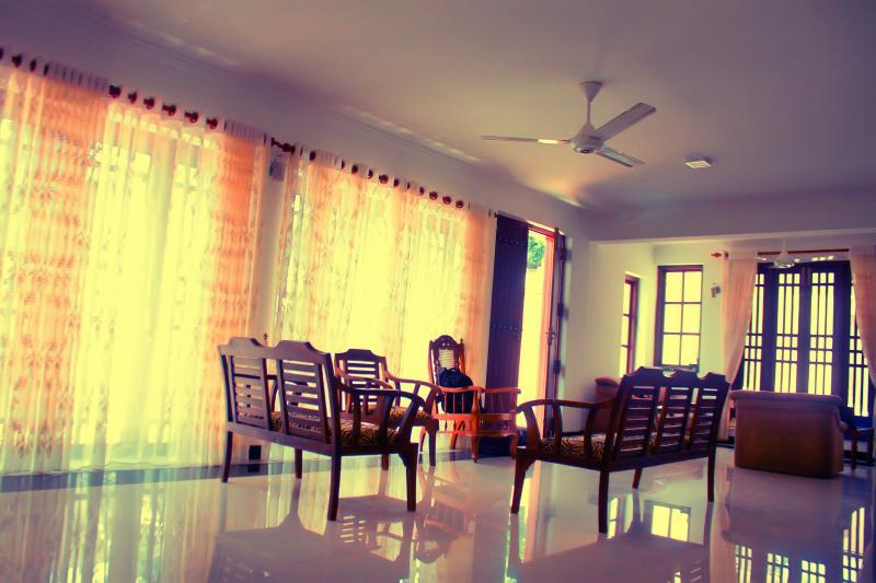 Luxury living in Mirihana Nugegoda, holiday rental in Kotte
