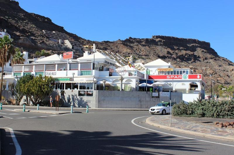 shopping center  Playa del Cura