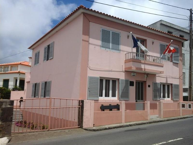 Beautiful house in Vila de Rabo de Peixe, Ferienwohnung in Rabo de Peixe