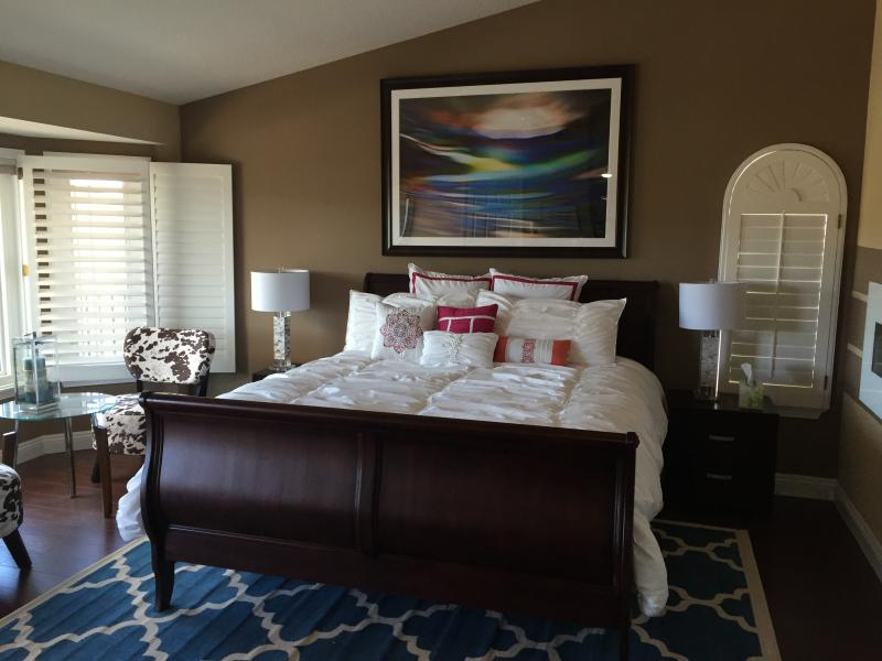 Large Master Bedroom with California King Bed.
