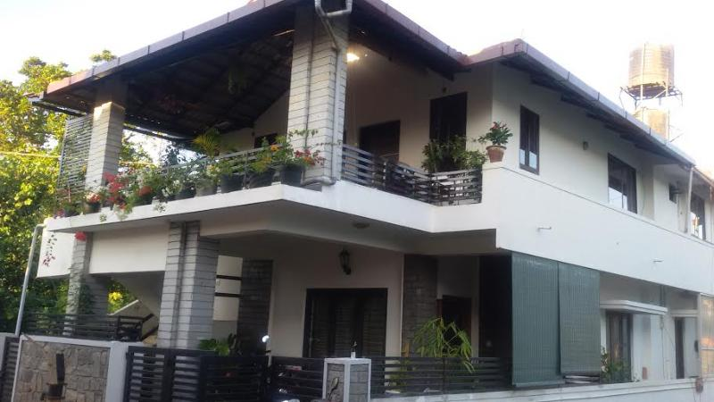 Front view close to city, its located in very silent residentila area, way to abby falls road