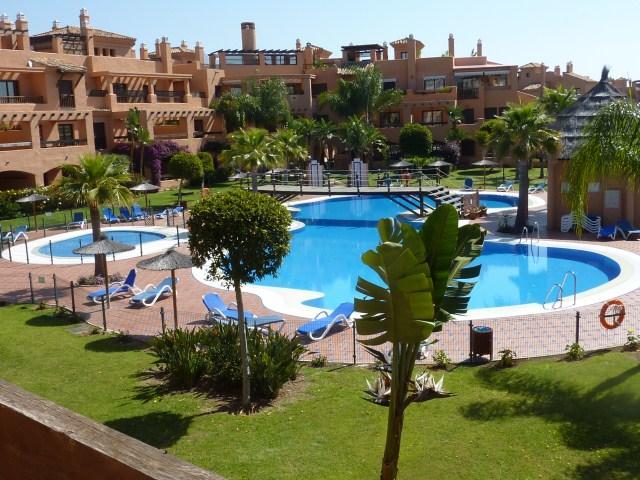 2 Bedroom Hacienda Del Sol Apt, vacation rental in Estepona