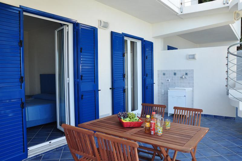 Magico Scafa - Bilocale lato giardino con grande terrazza - villa panoramica, vakantiewoning in Capo d'Orlando