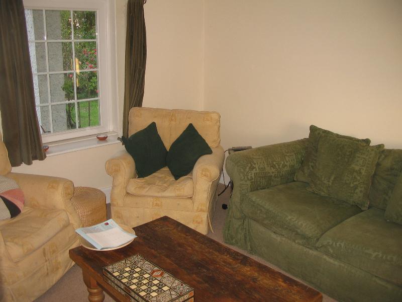 Living room at Brooklands Holiday Cottage, Fairbourne