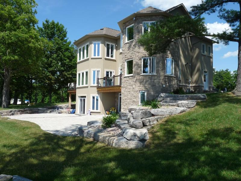 Executive Waterfront Home and beautiful southwest sunsets. Family/Pet Friendly – semesterbostad i Pembroke