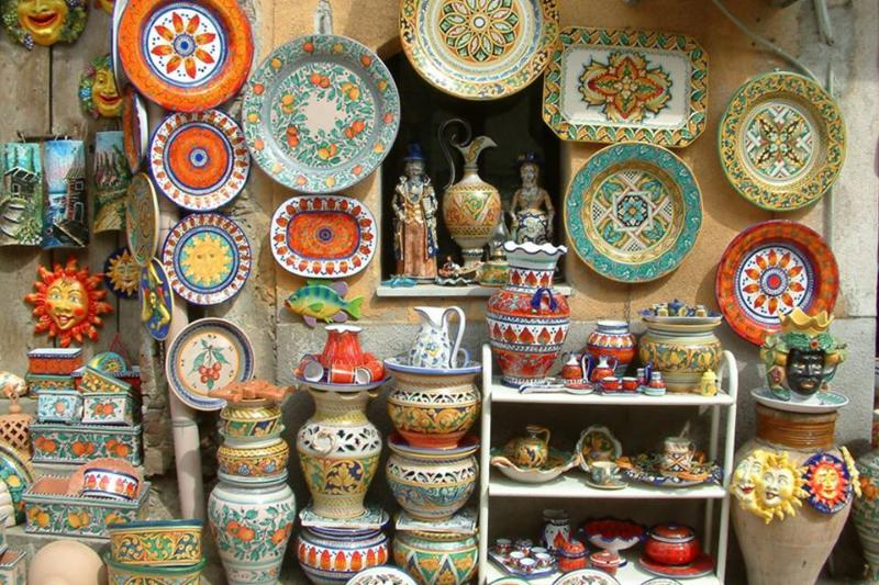 le ceramiche di Santo Stefano di Camastra