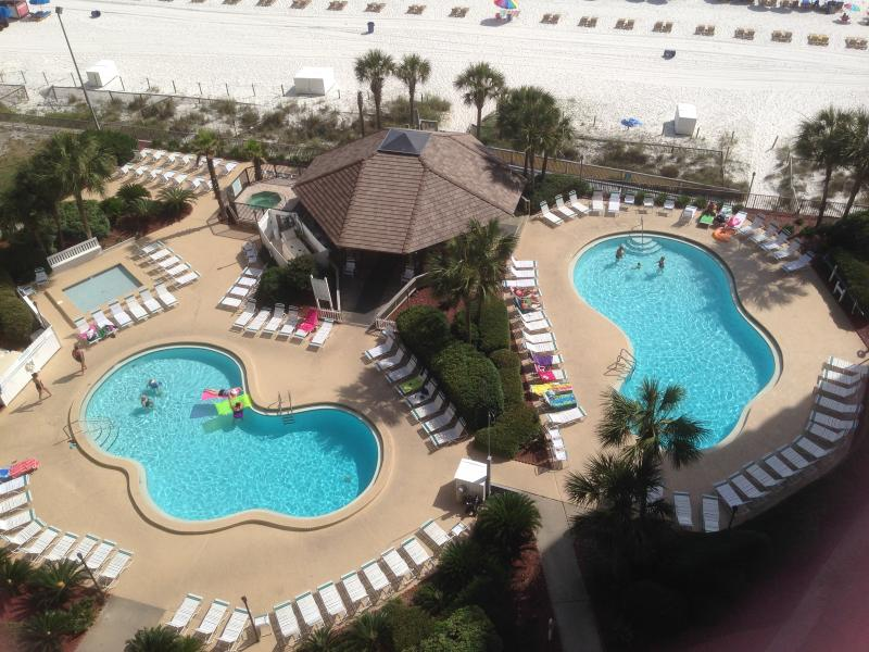 Enjoy the resort like grounds and amenities at Summerhouse.