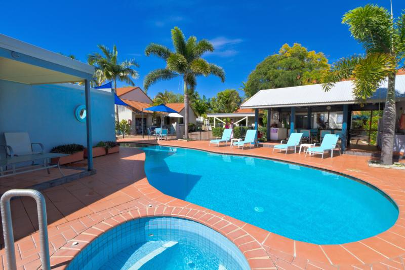 Nautilus Noosa Townhouse Apartments  2BR, vacation rental in Noosa