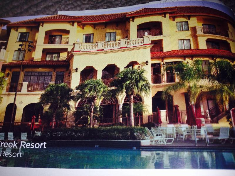 Resort Fun Near Disney World/Parks: 1-2 BR Condo!, holiday rental in Walt Disney World