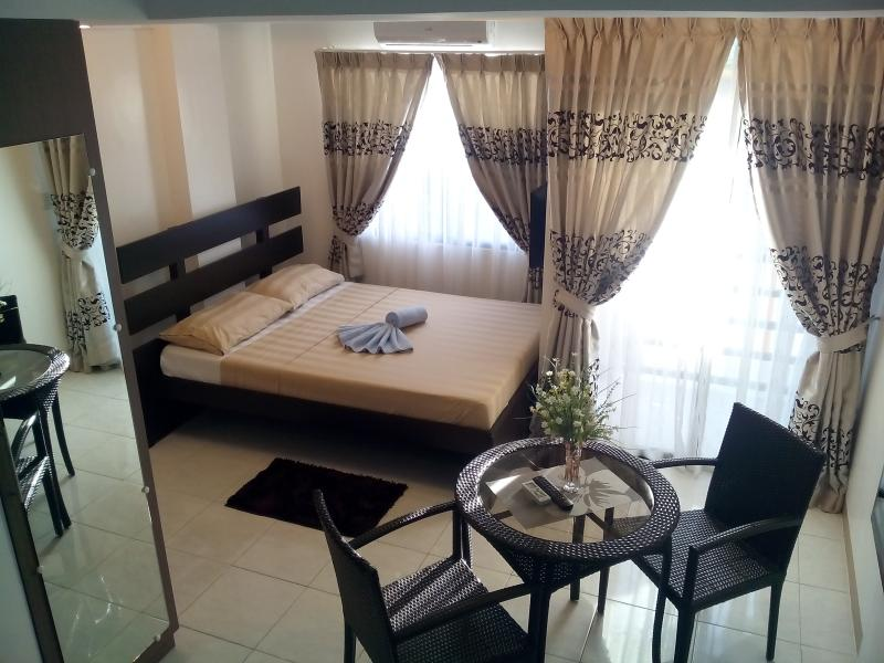 Anahaw Studio Suites, holiday rental in Panay Island