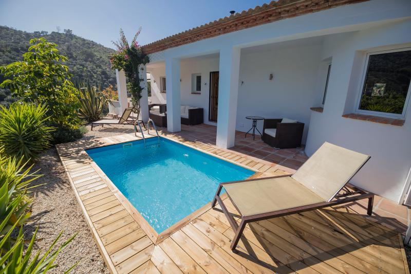 Pool terrace - pool size 4m x 2.5m