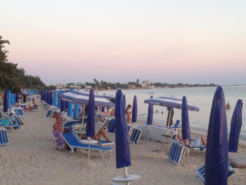 una spiaggia di Porto Cesareoa