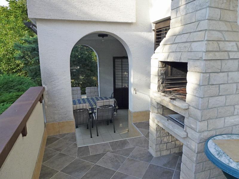 Renata H(6+1) - Njivice, vacation rental in Merag
