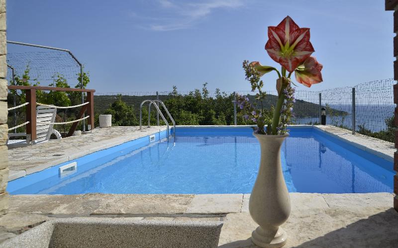 Toni A4(4) - Maslinica, holiday rental in Solta Island