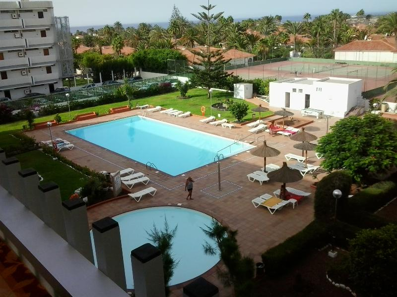 Centrally located & totally refurbished apartment, vacation rental in Maspalomas