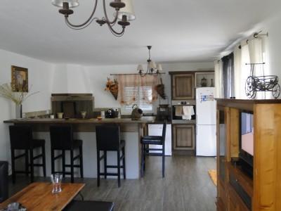 MAISON VUE SUR MER ET MONTAGNE calme  convivialitè, location de vacances à Sorbo-Ocagnano