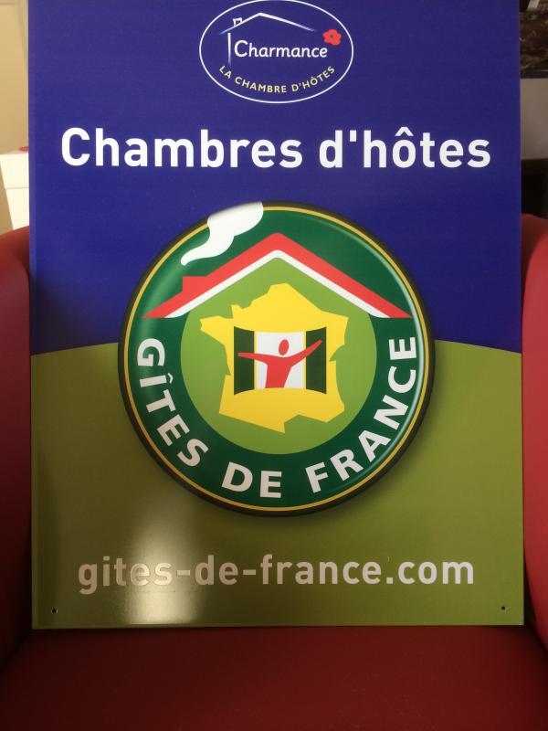 LES-hemp / Labels GITE FRANCE BIKE & HOME on GREEN AVENUE LONDON-PARIS