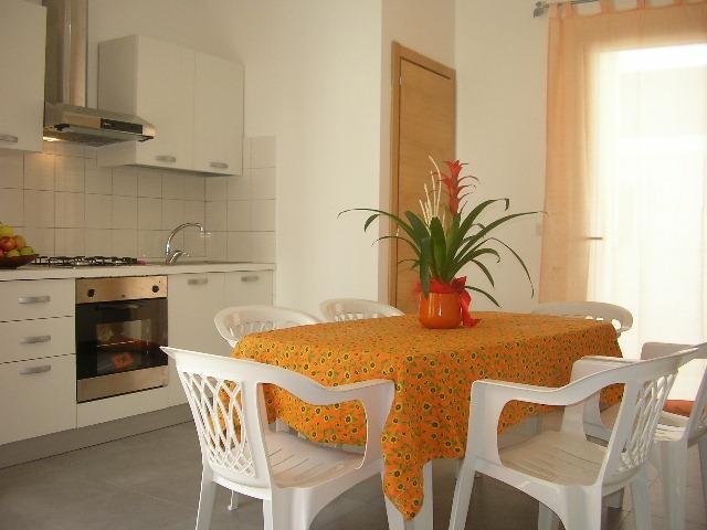 MODERNA ABITAZIONE (6 POSTI) A NORD DI GALLIPOLI, vacation rental in Sannicola