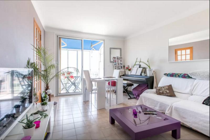 Vue mer, dernier étage, Intérieur chaleureux et lumineux, centre-ville de Hyères