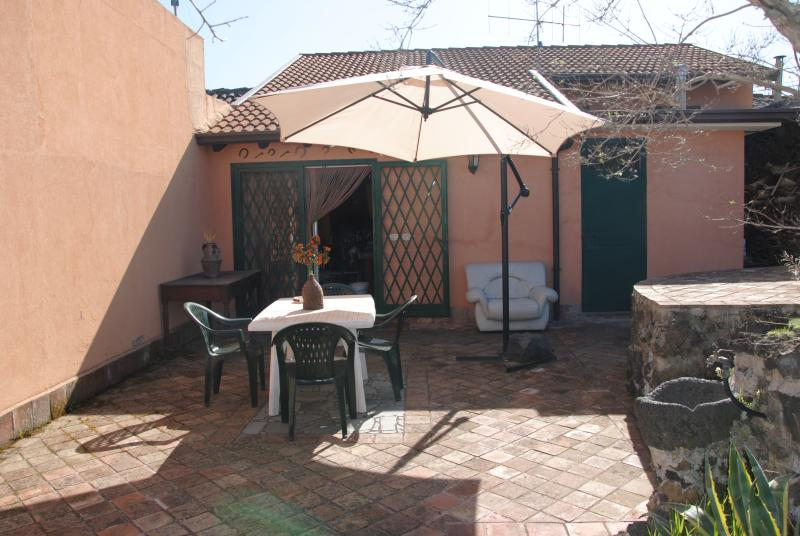 Olive's house, holiday rental in Santa Domenica Vittoria