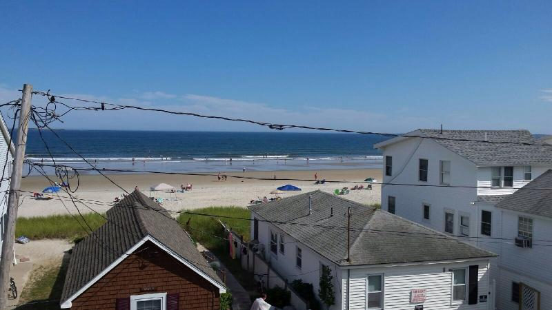 Condo on Grand Beach(OOB)-Steps to Beach, Pool, holiday rental in Old Orchard Beach
