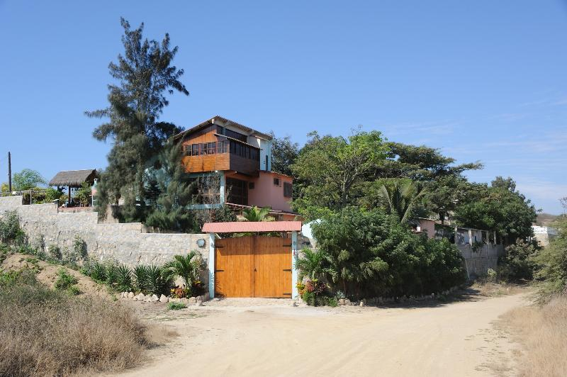 Alluring Ballenita´s House (Wonderful Ocean View!), holiday rental in Punta Blanca