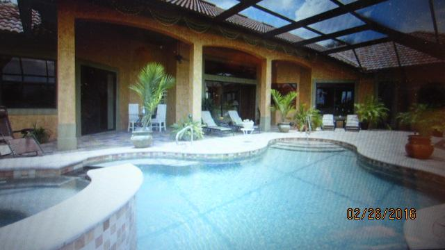 Pool, Spa and Lanai, long leisurely sunny days....