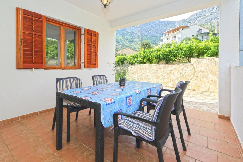 Lavanda Apartment A4, holiday rental in Ivan Dolac