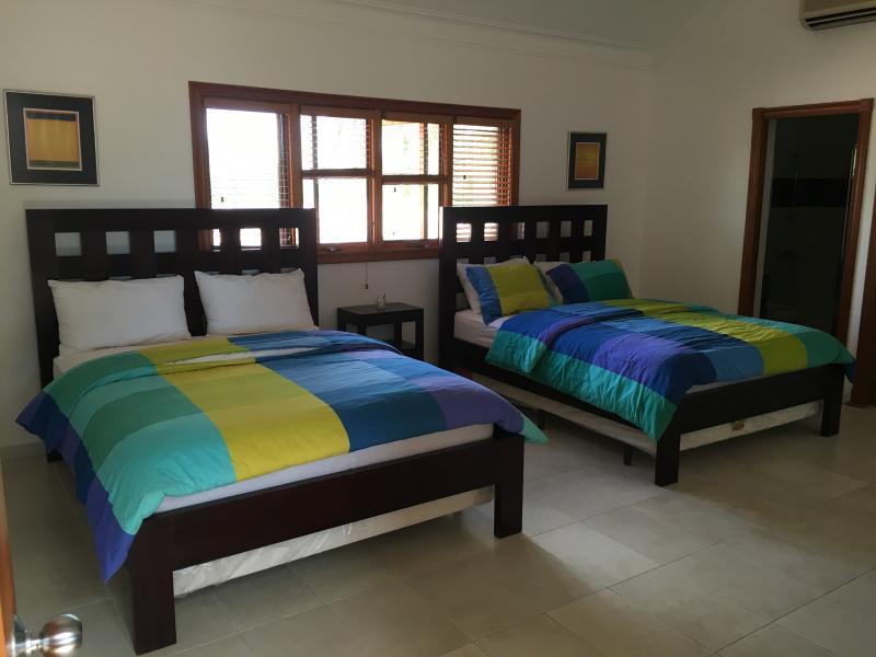 EACH ROOM WITH 2 QUEEN BEDS