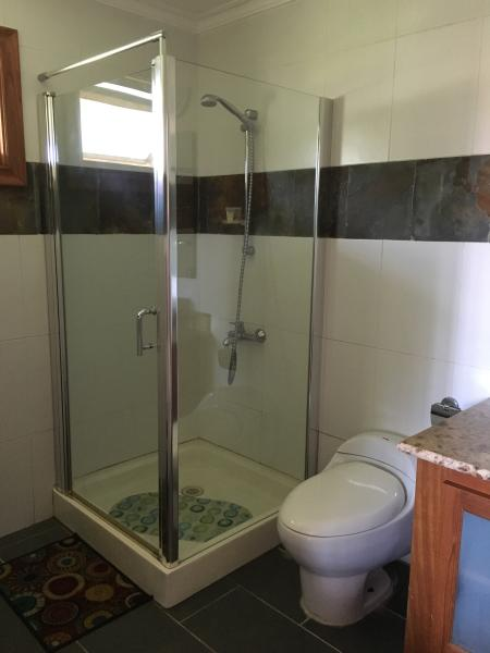 SHOWER CABINS IN EACH ROOM