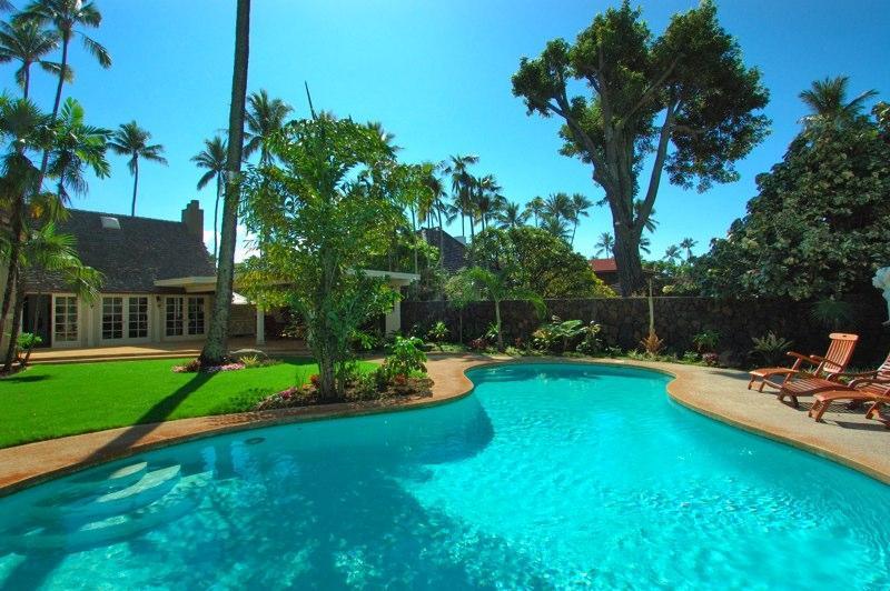 The Historic Gingerbread House Sleeps 10 Kahala Beach 1 Booking per 30 days, alquiler de vacaciones en Kahala