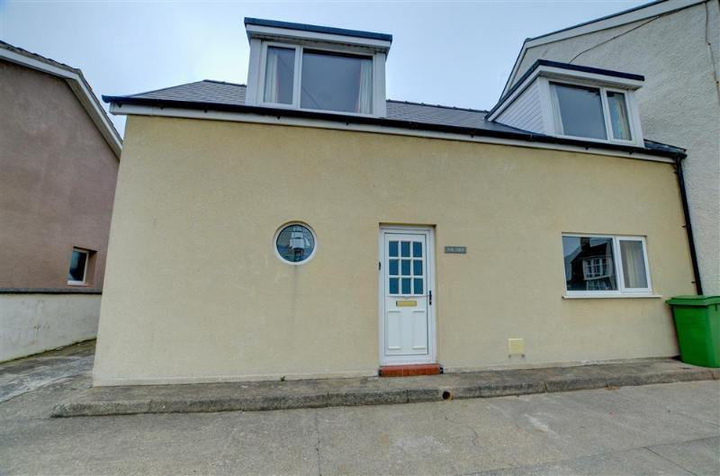 The Coup (WAN374), holiday rental in Borth