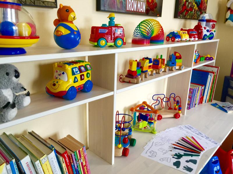 Play room stacked out with fabulous toys for the little ones - hours of fun :)
