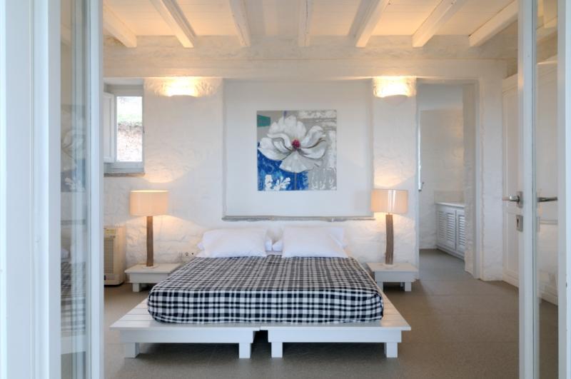 Guest bedroom upper bedroom