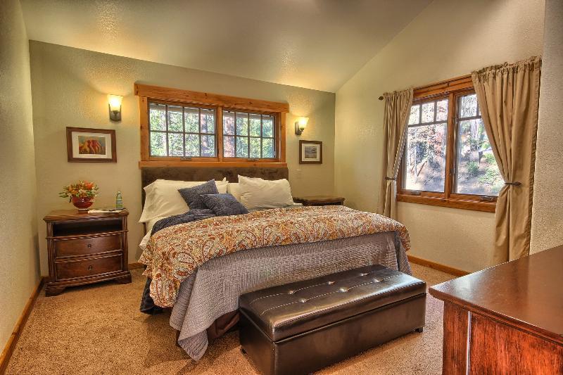 Master King Bedroom, Large Closet, Ceiling Fan