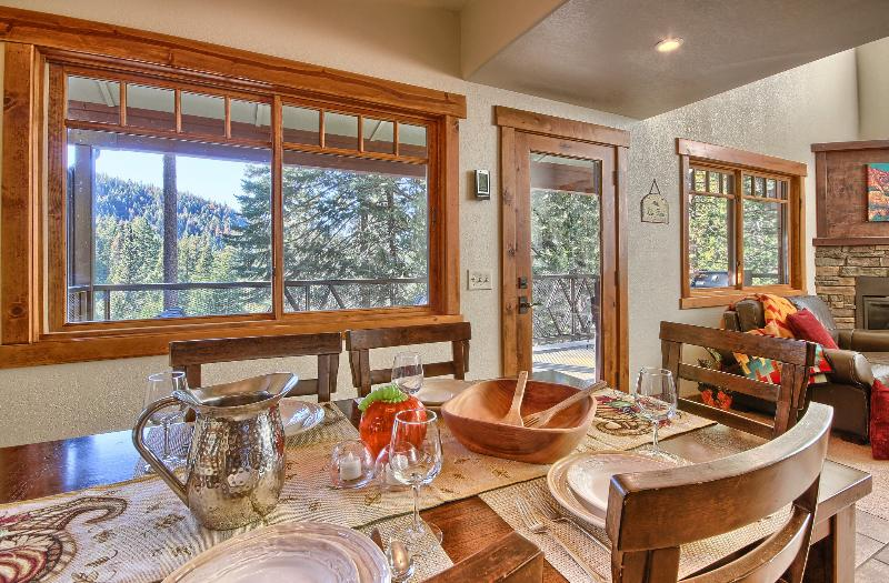 Fully Equipped Kitchen for Magical Meals in Yosemite