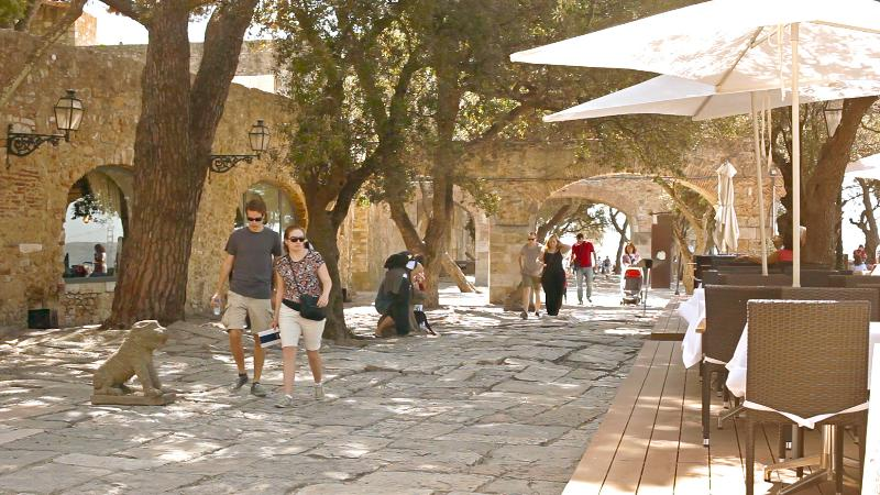 St. Jorge Castle (5 minuts)