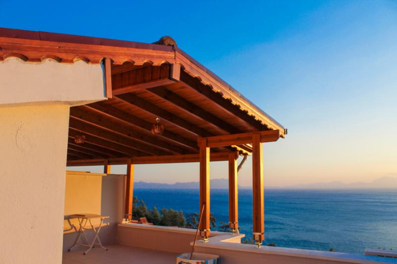IMMACULATE & NEW Sea View Villa, vacation rental in Bodrum City
