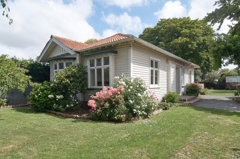 Great Central Location St Albans/Edgeware, vacation rental in Christchurch