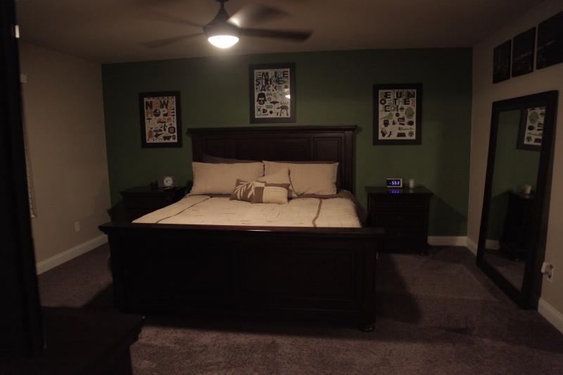 Master Room/King Bed
