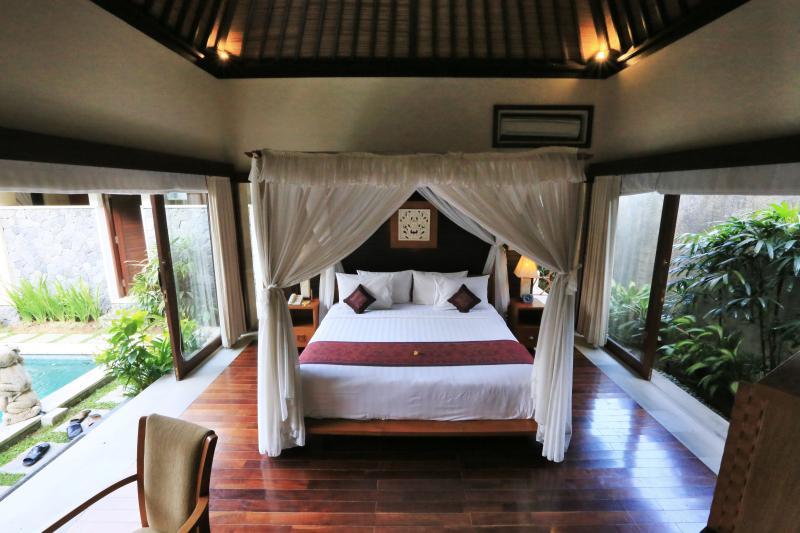 Royal Suite Villa - Master Bedroom